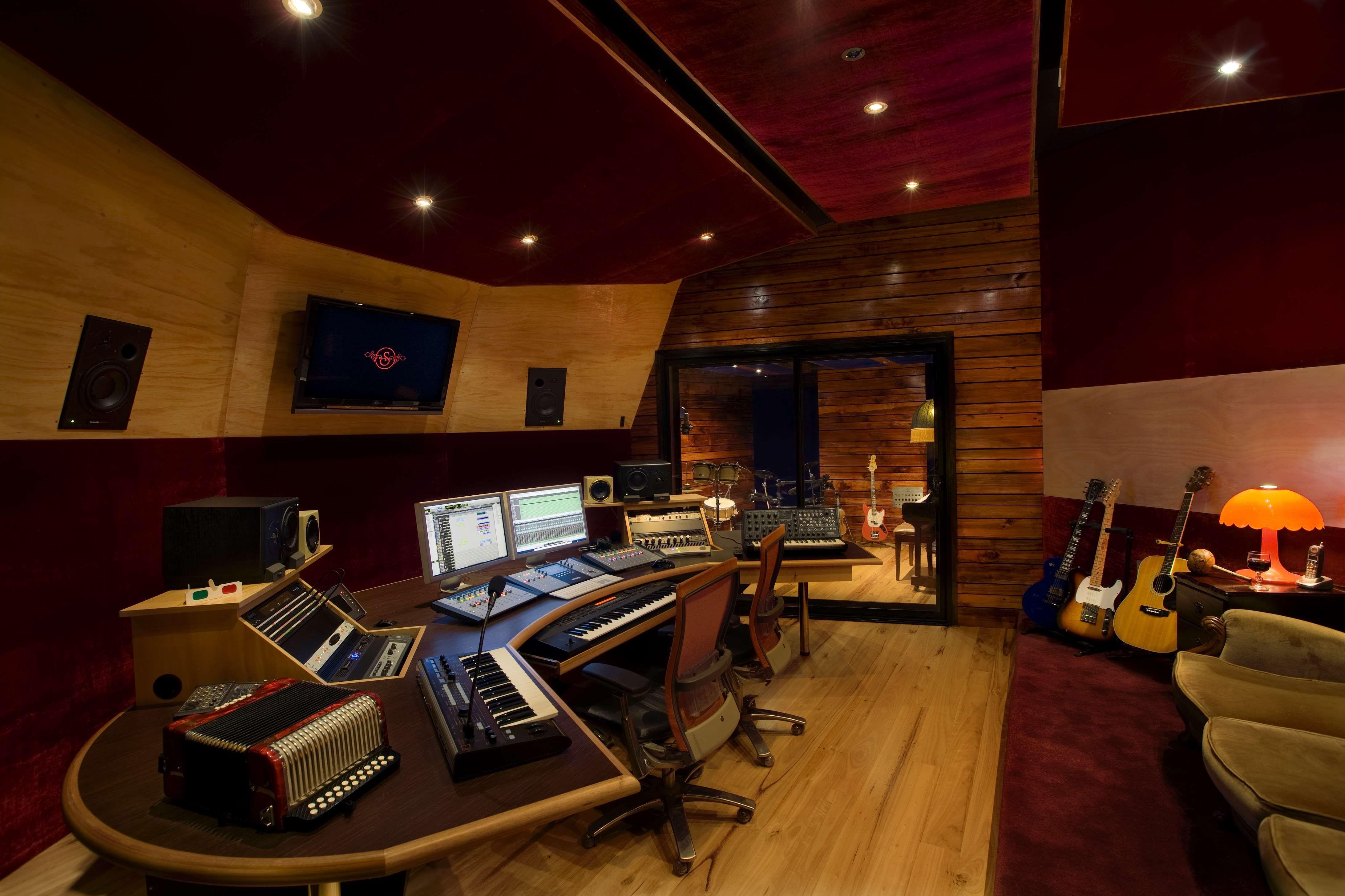 Cool And Simple Recording Studios Recording Studio