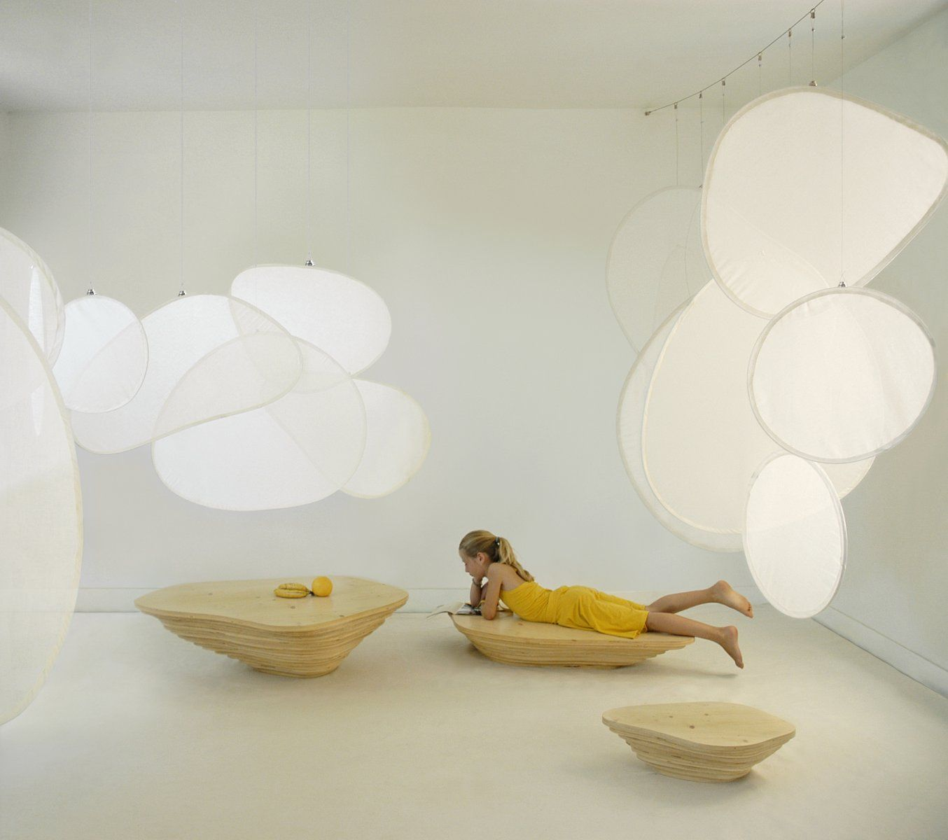 Marin Has Presented Stephanie Marin S Creation Since 2004 An Independent Design Philosophy Responsible Eco Development De Lampade Arredamento Luci