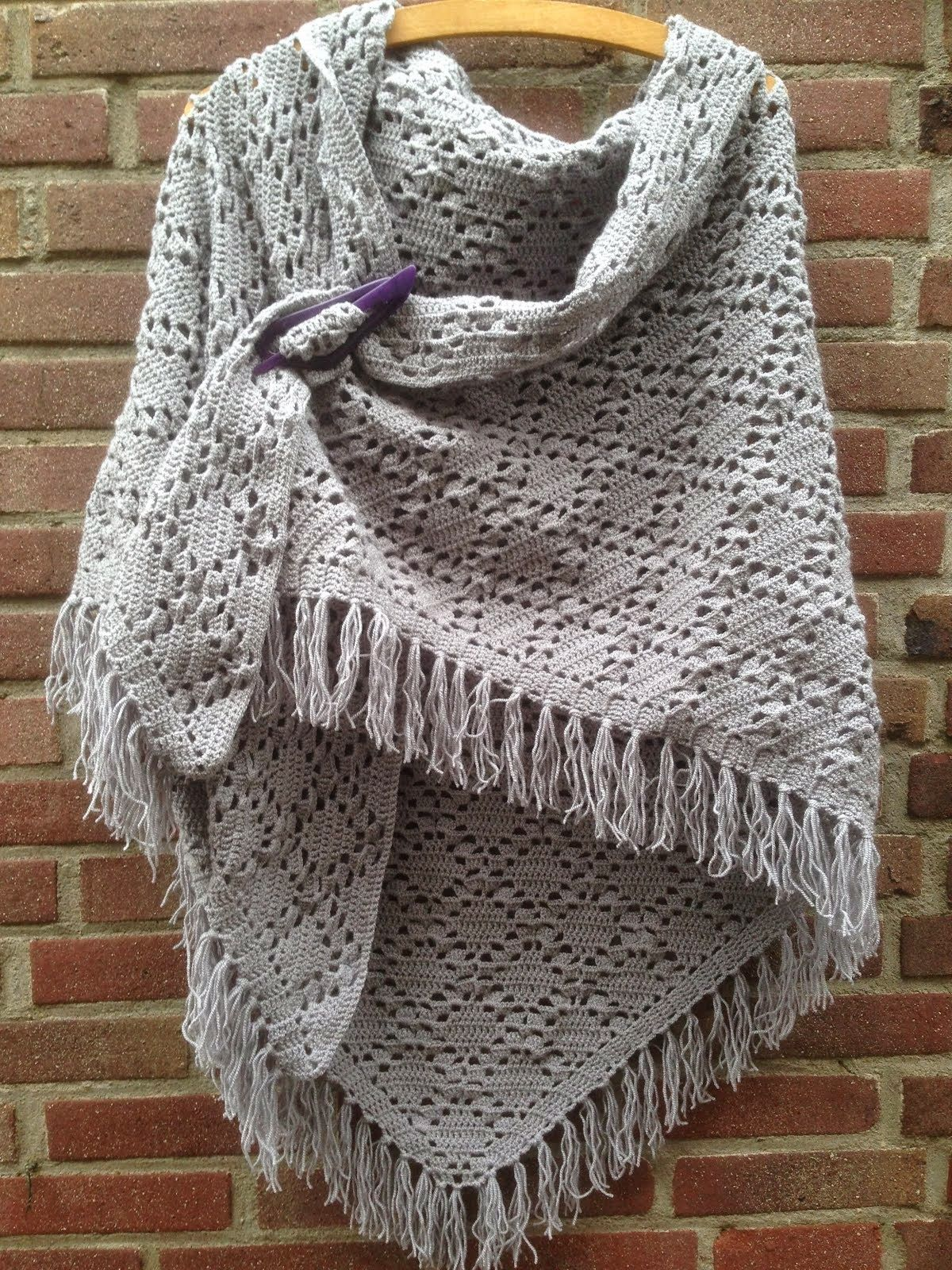 Beautiful shawl and free pattern! | Modelli maglia | Pinterest ...