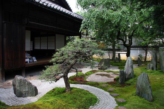 深緑の南禅寺 重森三玲庭園美術館 memory of kyotolife 小さな日本庭園 日本の石庭 日本庭園の設計