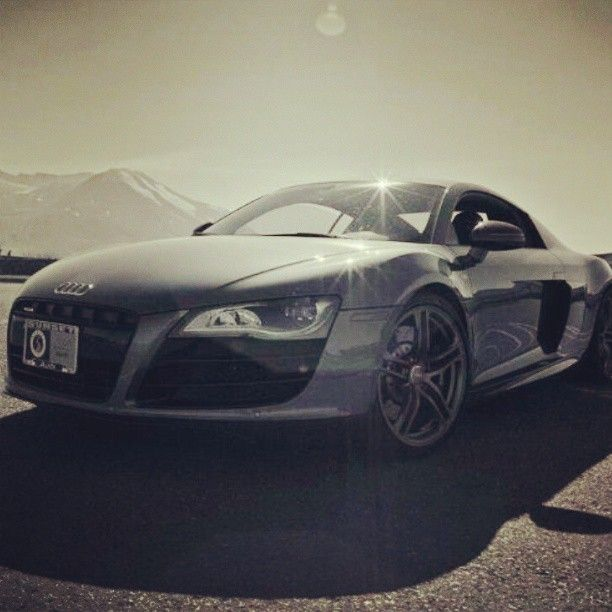 Audi R8 are one of the nicest Cars out there do you agree!?