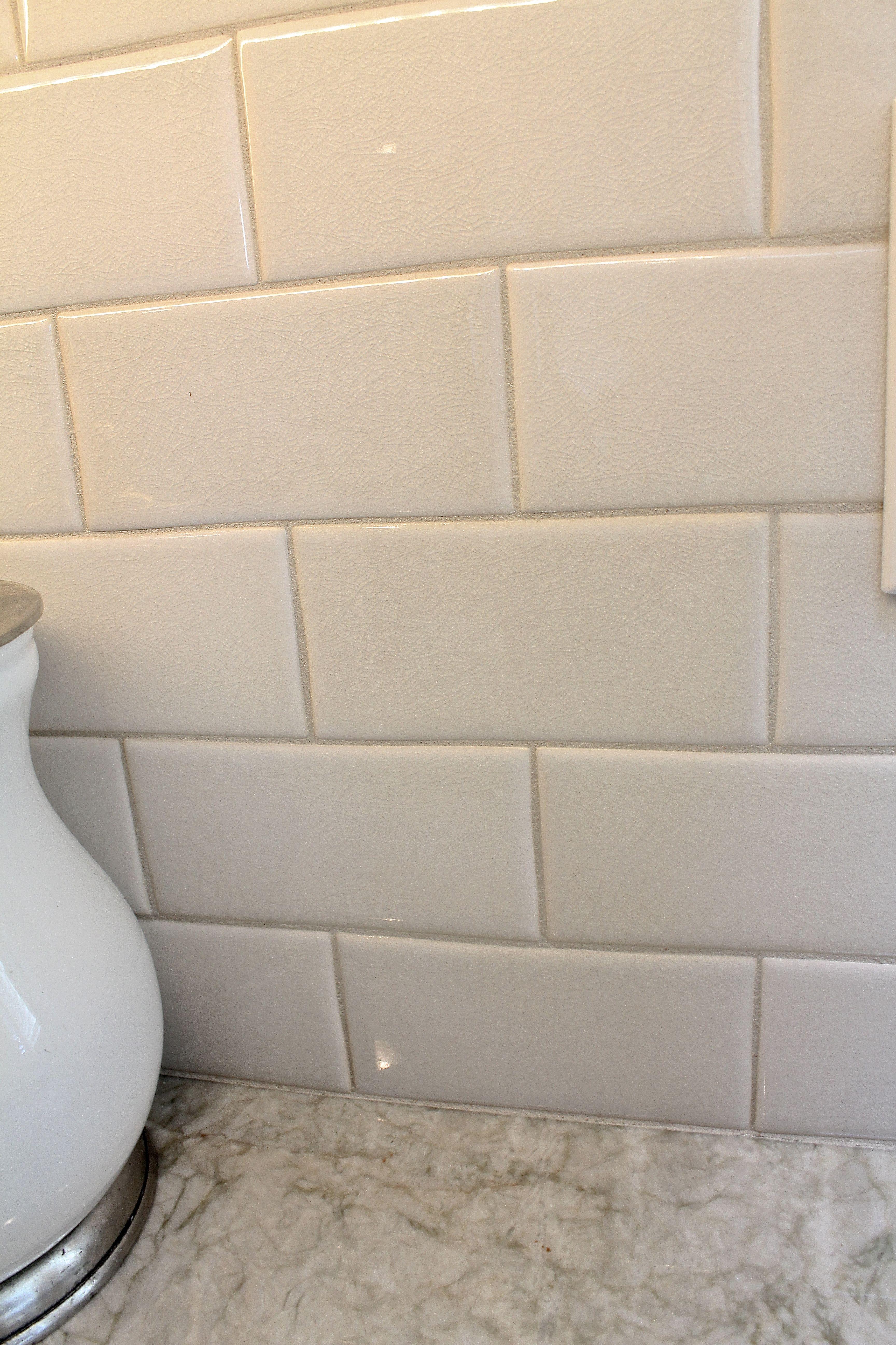 otm rixi 25x5 subway tile color mandorla with madra perola quartzite counters u bahn fliesenfarbenu bahn fliesenbacksplash ideenwei - Ubahn Fliese Backsplash Ideen