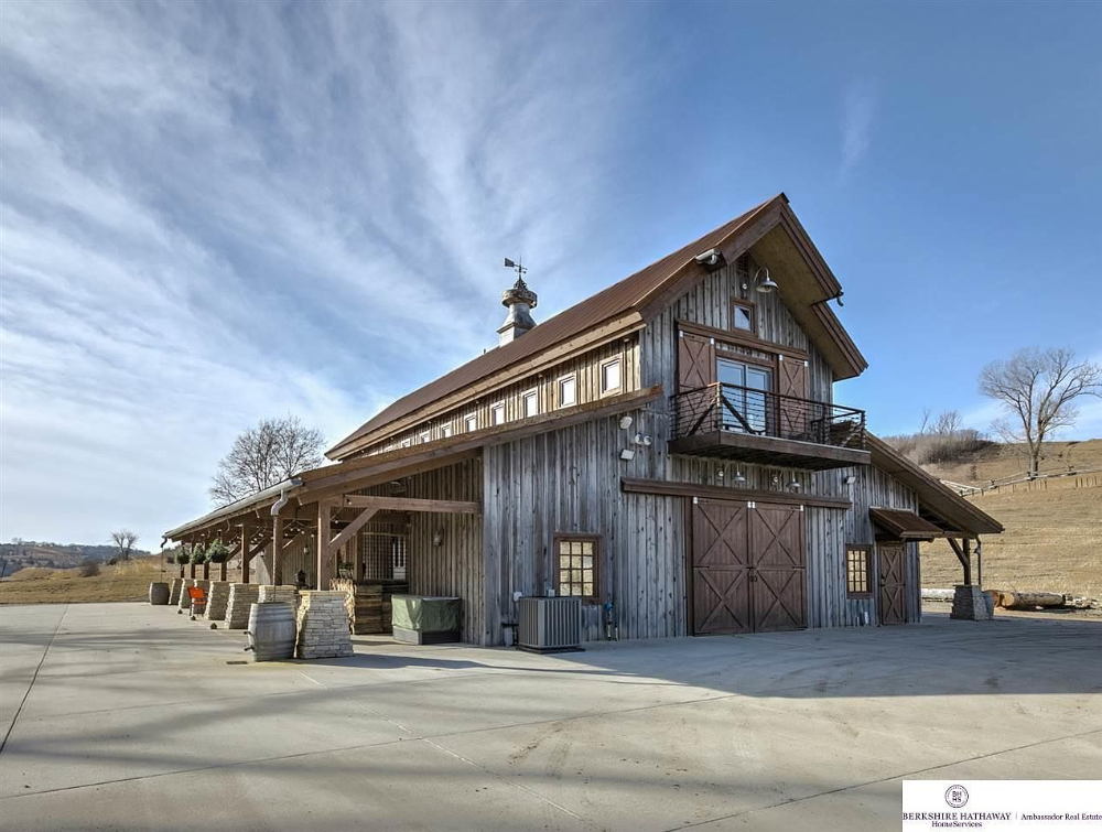 10211 Shire Point Way Blair Ne 68008 6331 Is A Single Family Home Listed For Sale At 1 200 000 The 4 320 Sq Barn Style House Barn House Plans Barn House