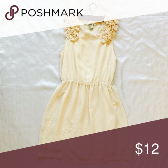 Beautiful Cream Dress This romantic dress is from Forever 21. Has only been worn twice. Size small. Forever 21 Dresses Mini