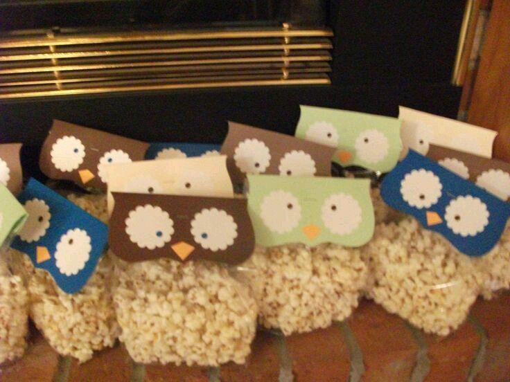 e27ecaa88 Mira todos los hermosos regalos que puedes hacer usando pequeñas bolsas de  celofán o papel. Dales un toque original empacando caramelos o g.