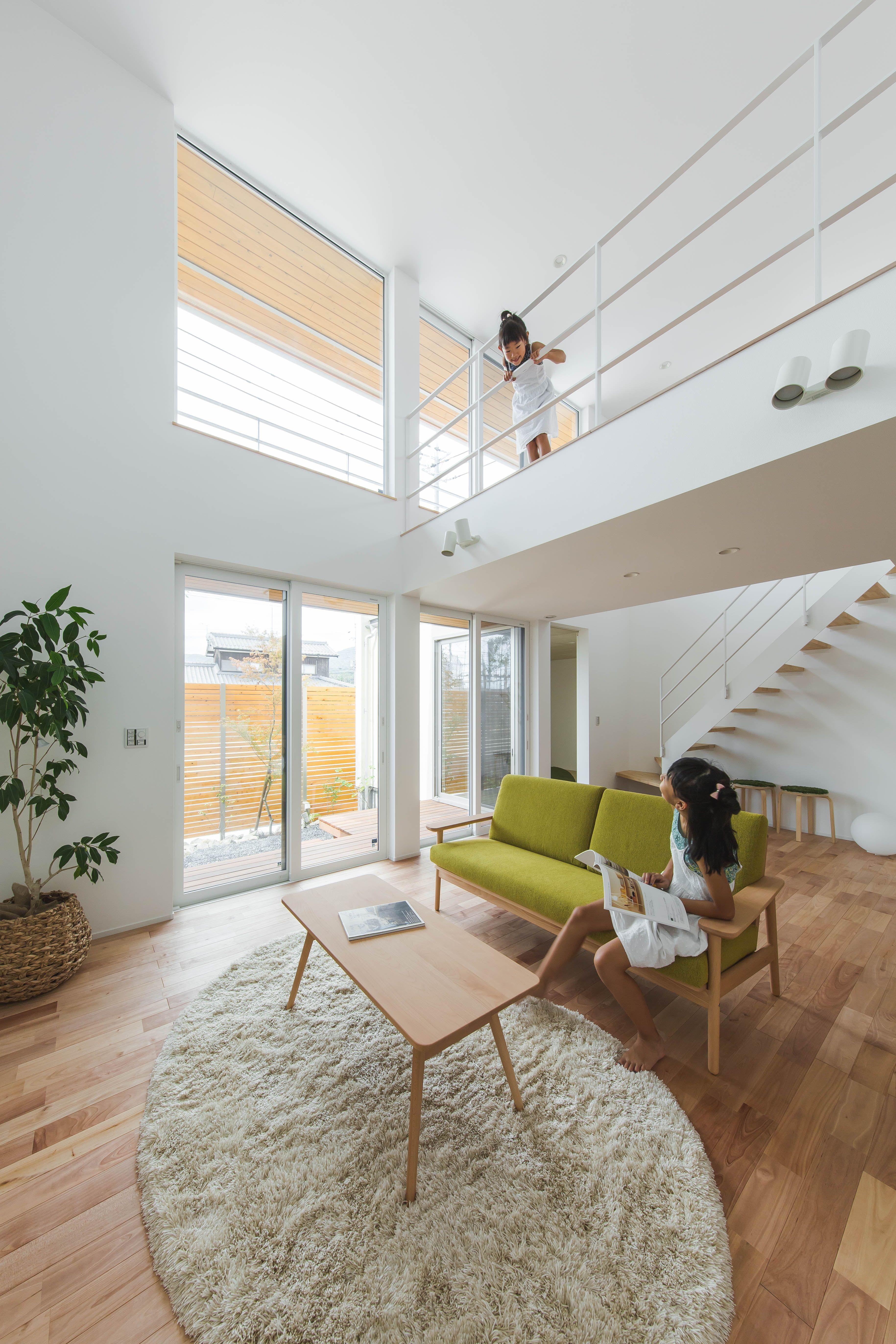 家族の距離を確かめられる吹き抜け ルポハウス 設計士とつくる家