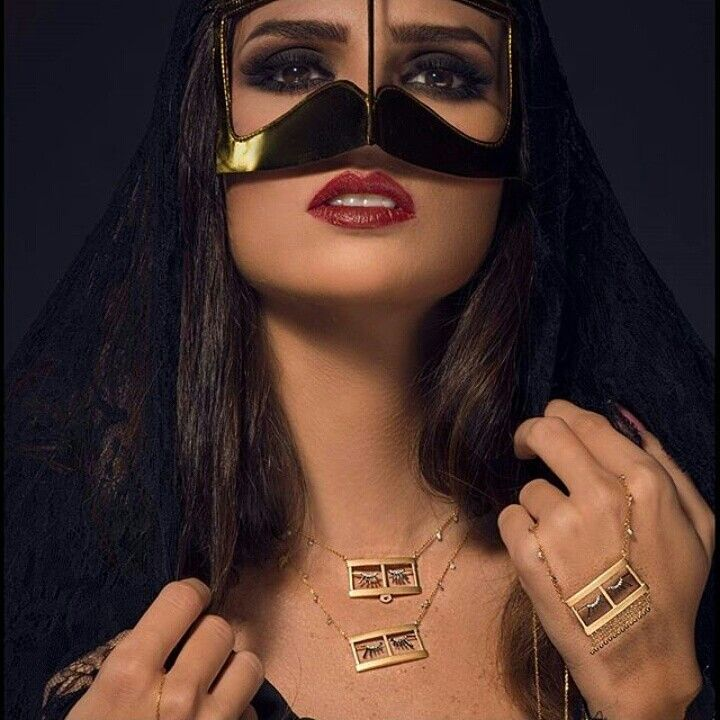Pin By ર8wlɴ Kħlieɖ On برقع بنات Square Sunglasses Women Girl Photography Poses Hijab Fashionista
