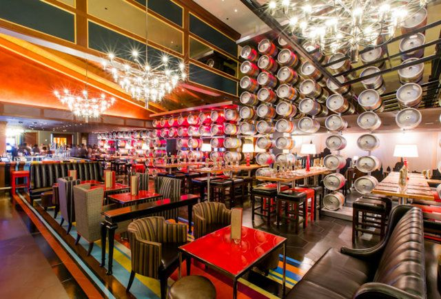 Shouty Chef Gordon Ramsay S Second Restaurant Opened A Mere Three Weeks Ago At Caesars Palace Pub Grill Debuted Short Five Days Before