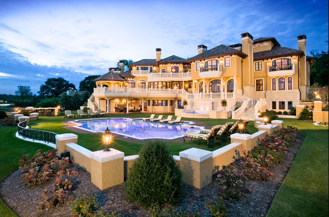 Million dollar living rooms foot waterfront mansion in for Million dollar luxury homes
