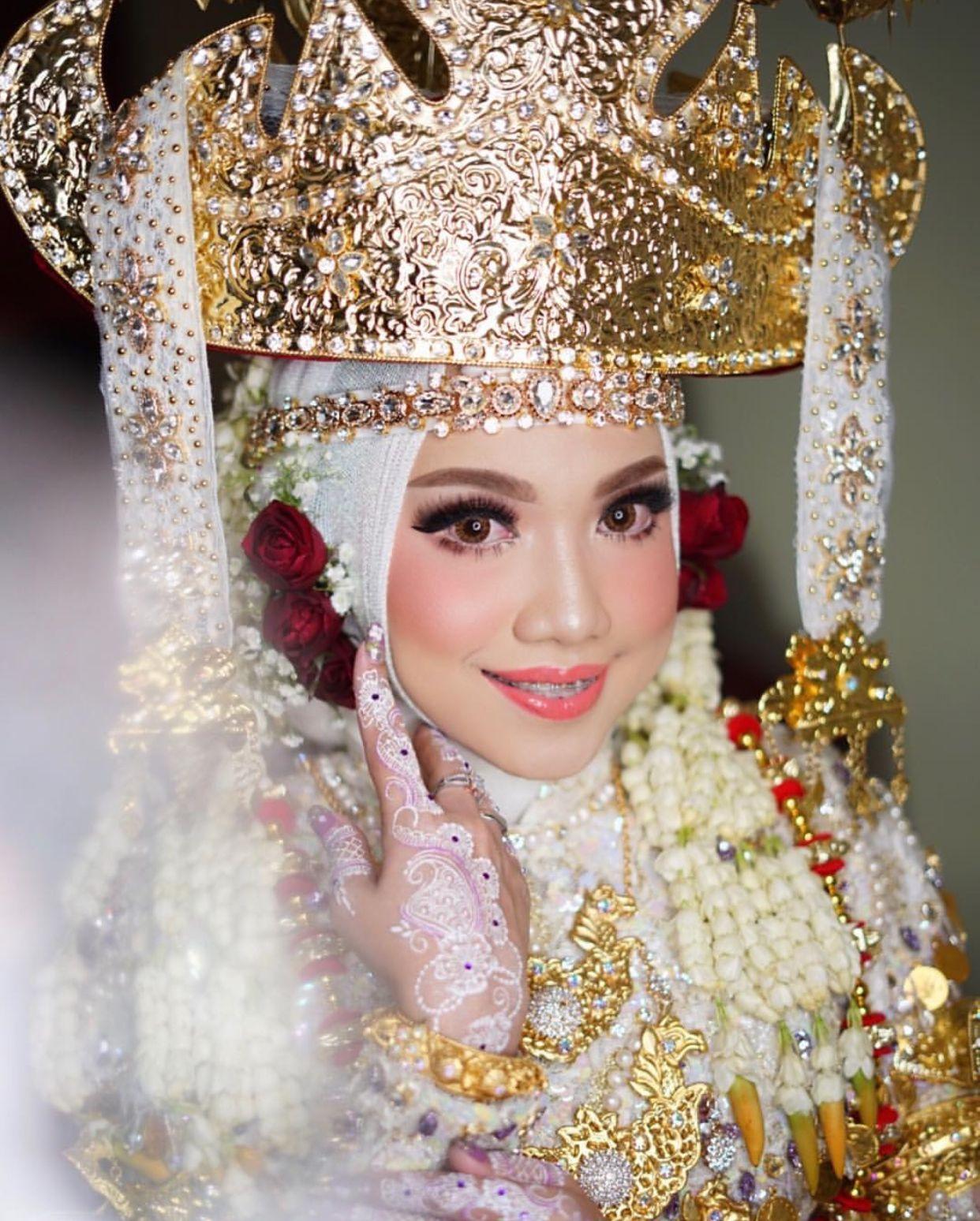 Pakaian Adat Wanita Lampung