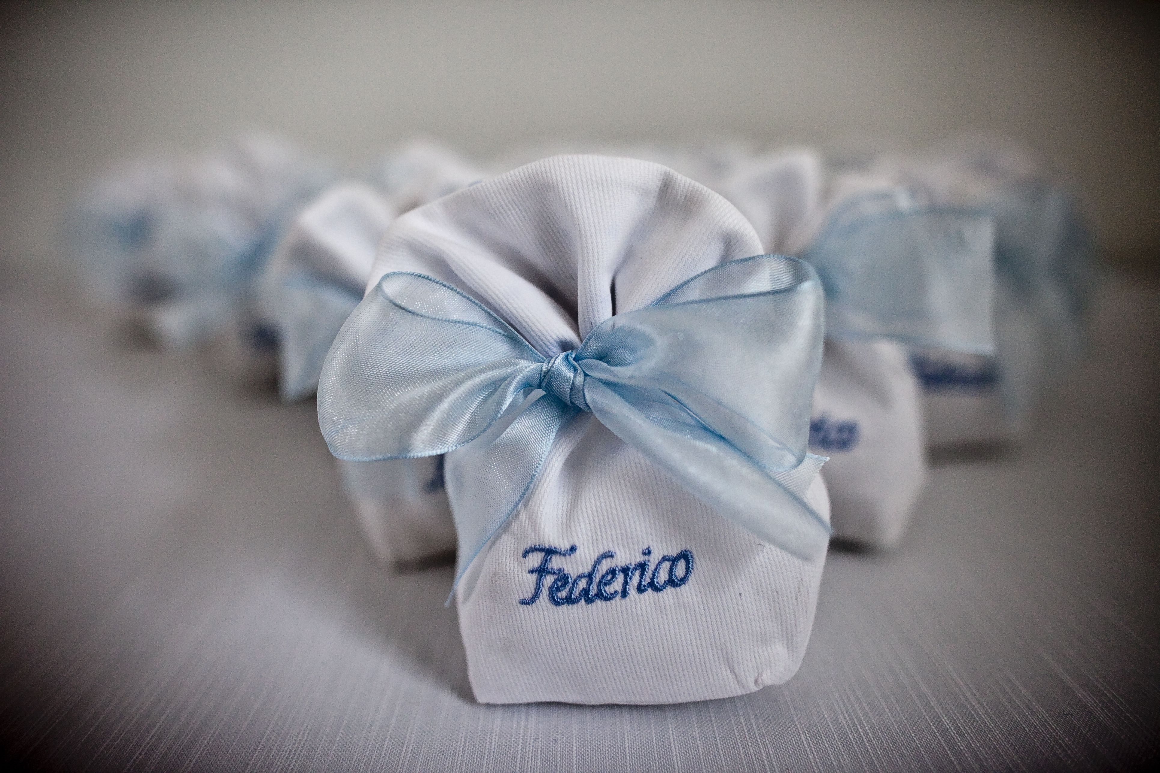 Little bags with sugared almond for a #specialbaptism.. #elegance #refinement  #lightblue #elenarenzi