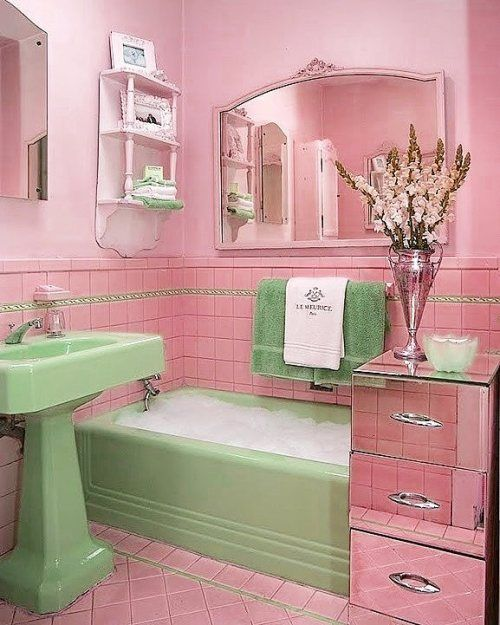 '60s Bathroom | Chic home decor, Shabby chic room, Retro ...