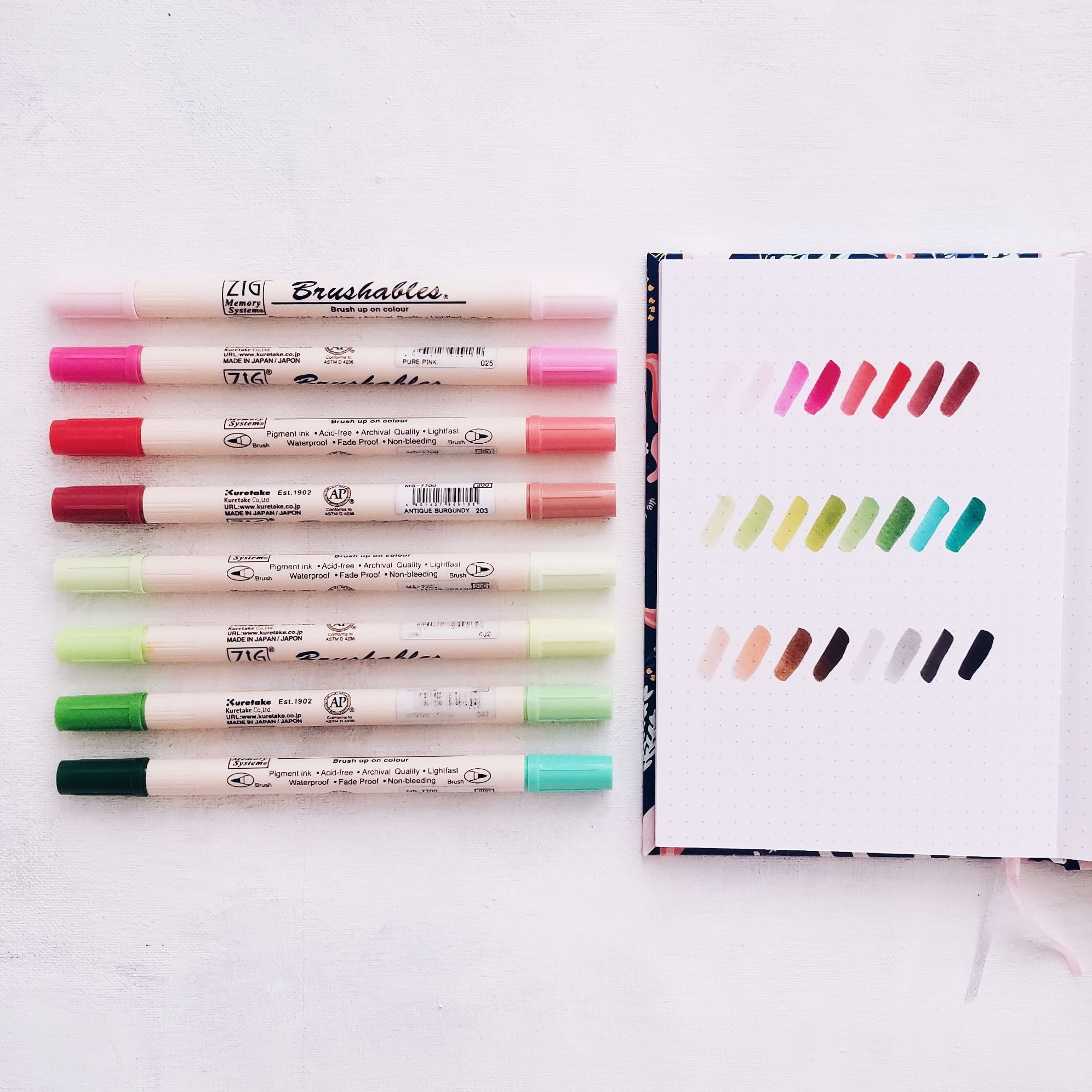 You Choose The Colour Zig Memory System 2 End Calligraphy Pen 3 Pack