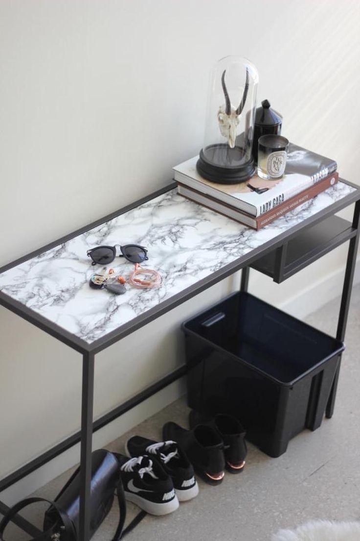 klebefolie-möbel-aufpeppen-anleitung-computertisch-modern-schwraz