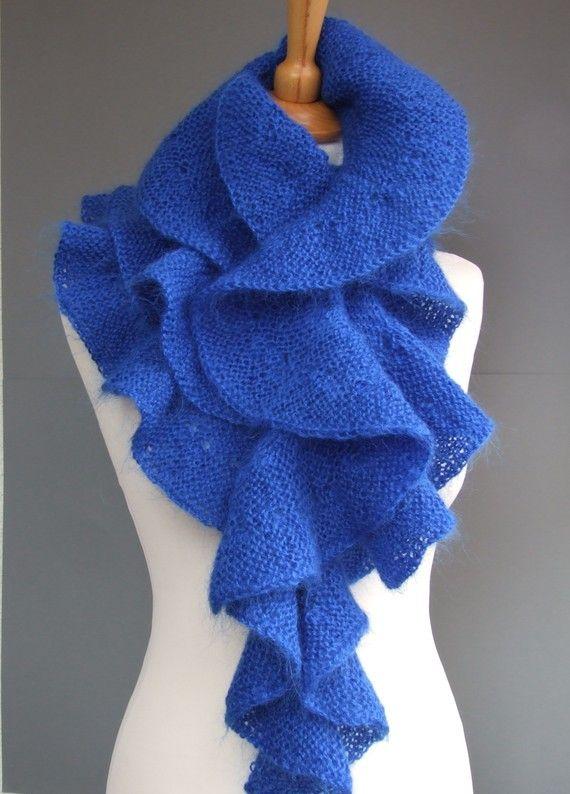 Blue scarf hand knitted of mohair yarn | Tejido, Bufanda cuello y Chal