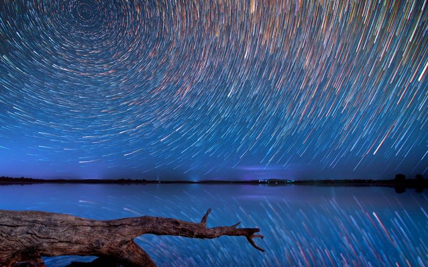 Amazing star trail photography over the Australian Outback by Lincoln Harrison