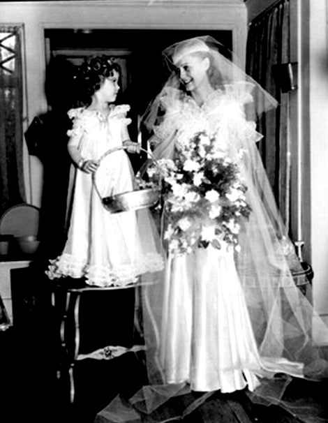 Shirley Temple and Gloria Stuart backstage at the