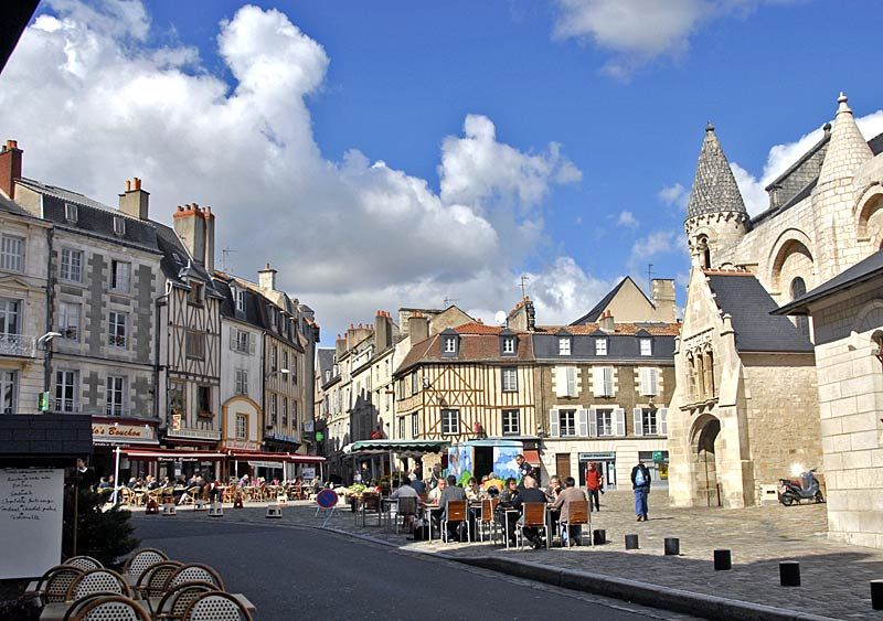 Poitiers - Vienne La France (suite) en cartes postales et photos d