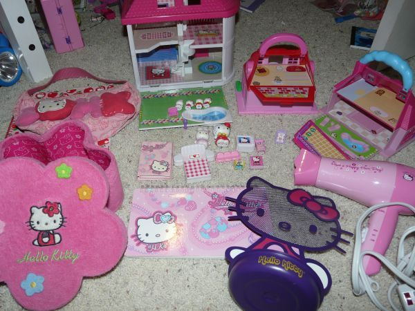 HELLO KITTY LOT OMG! on CL in Hillsboro for 20 (With