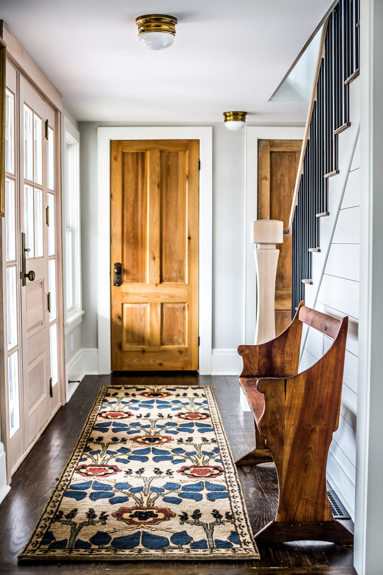 Beautiful Entry Way. Pop Of Color With Rug, Small Accents