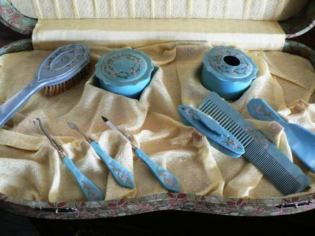 vintage accessories  antique VANITY SET BOXED by LandLockedCottage, $75.00