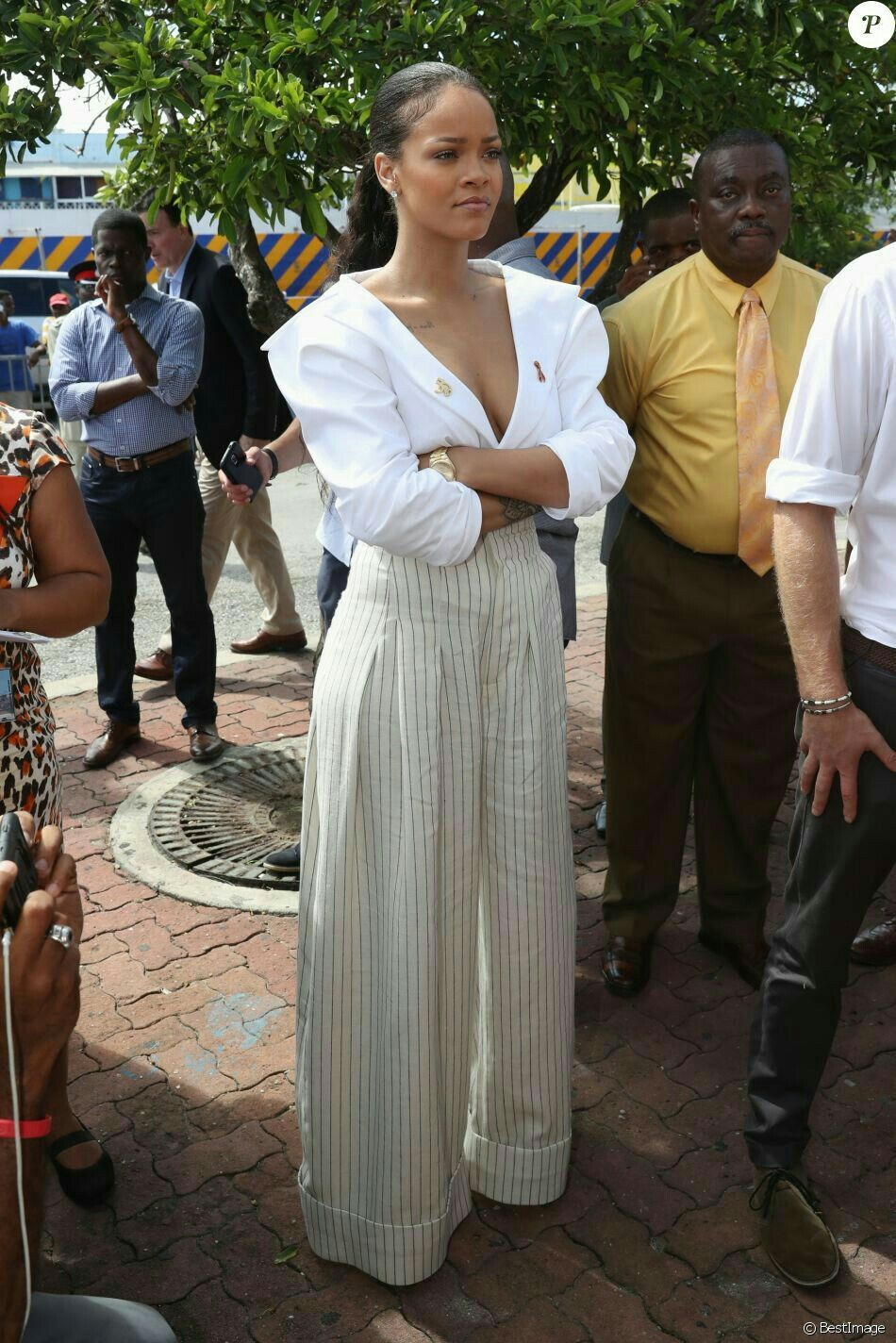 Pin by lanya chalak on singer in 2019 | Rihanna outfits