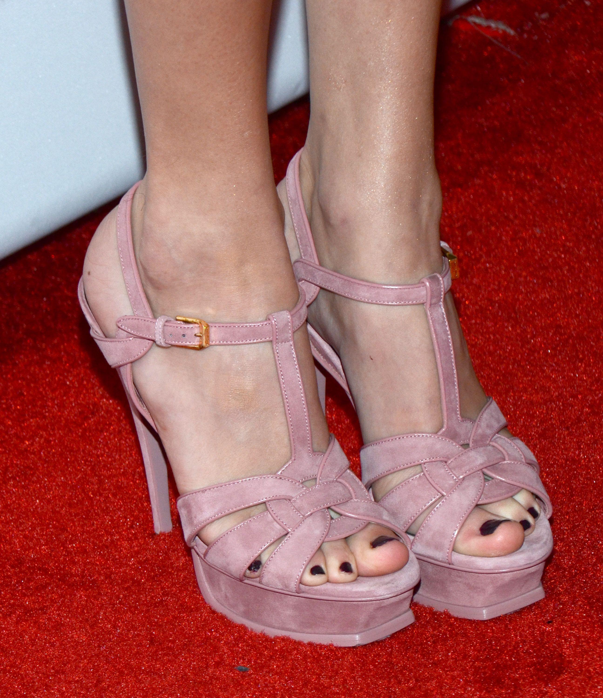 Taylor Swift S Feet Wikifeet Celebrity Feet Feet Shoes