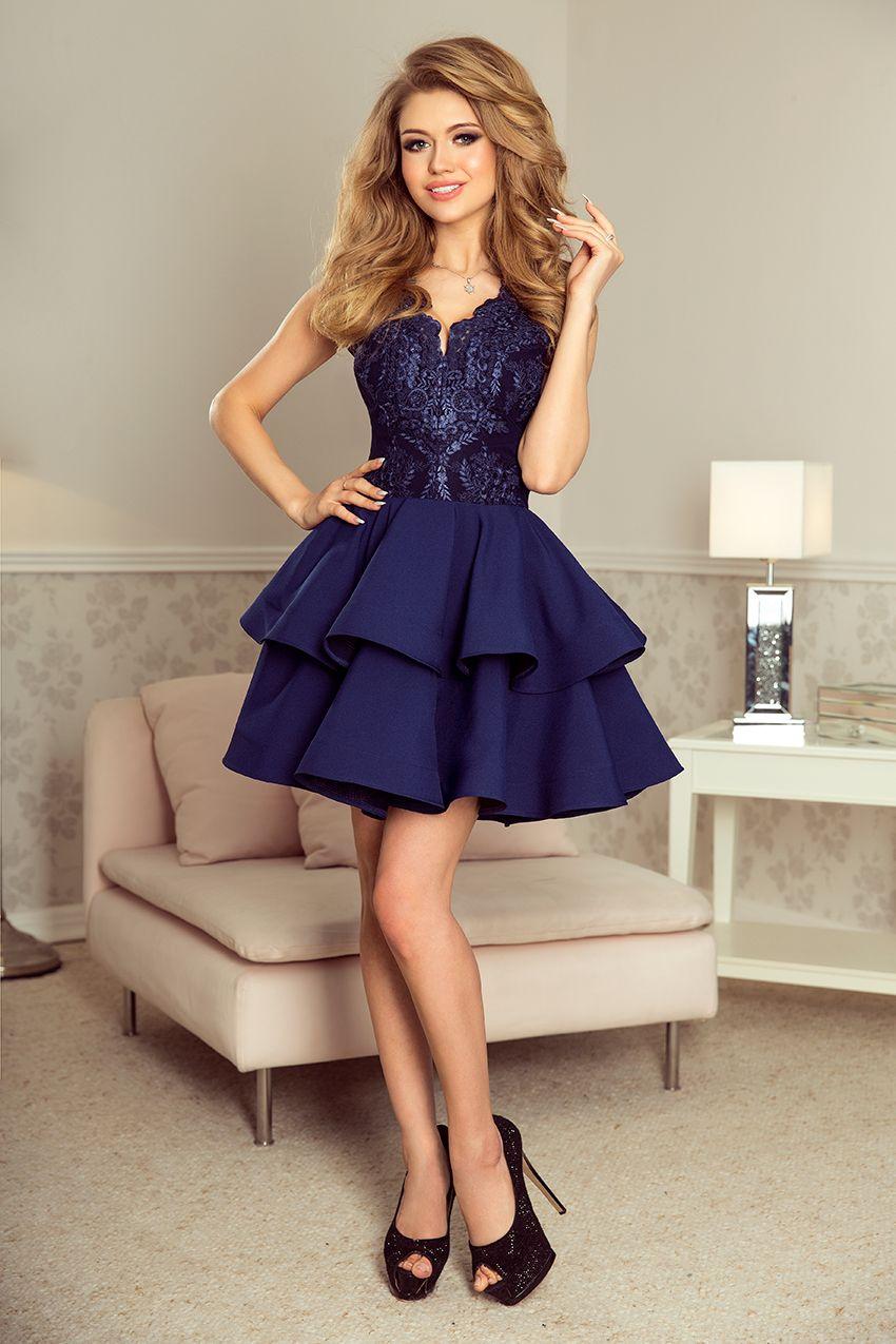 334eaf6a389a3e 200-2 CHARLOTTE - ekskluzywna sukienka z koronkowym dekoltem - GRANATOWA