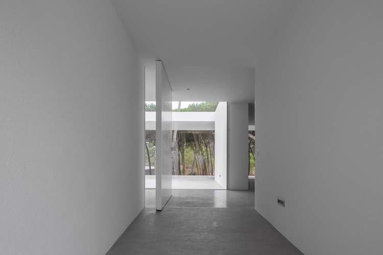 Gallery of Residence in Colares Frederico Valsassina Arquitectos 2