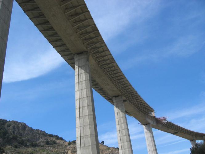 Resultado de imagen de jabalcon puente