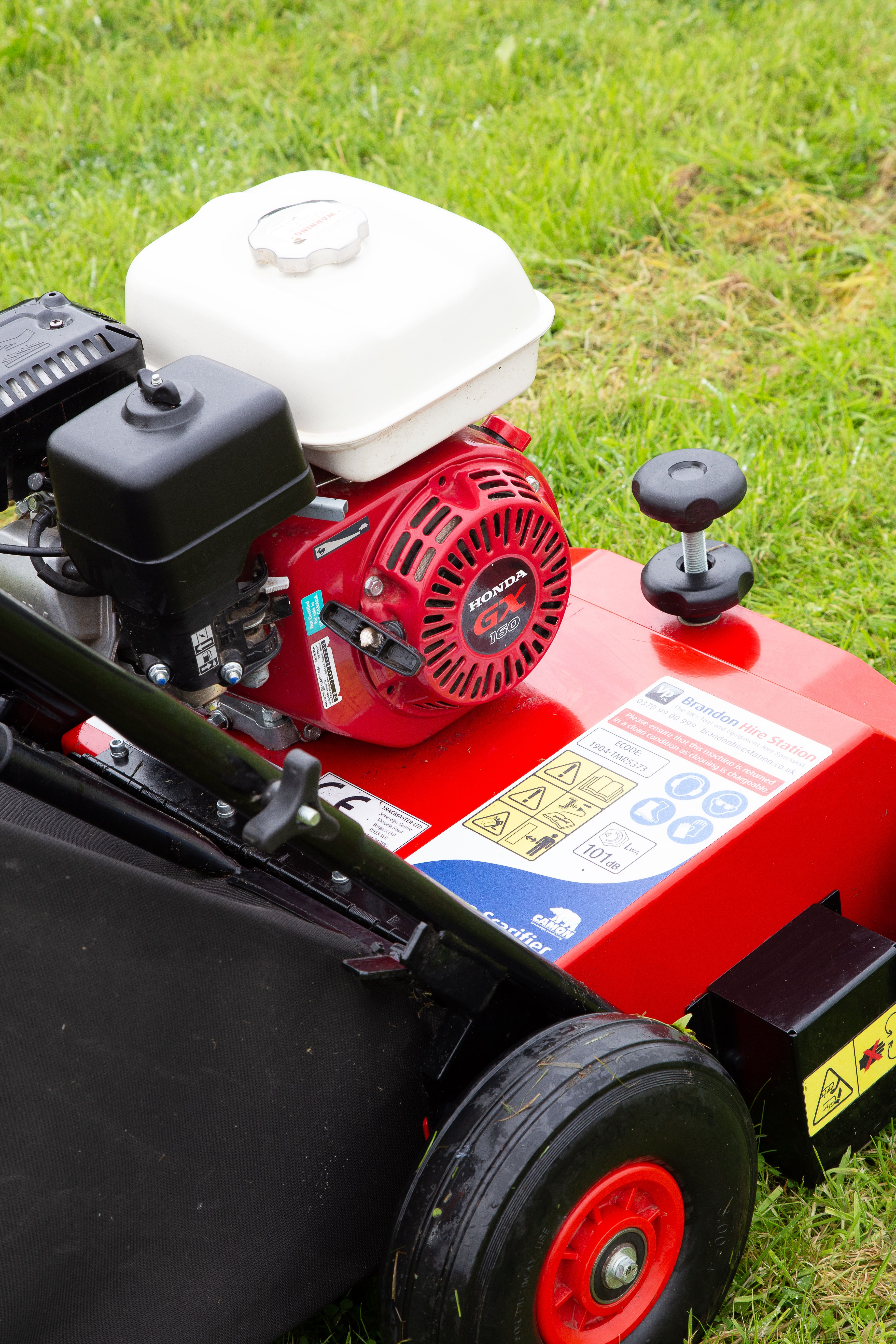 This Lawn Scarifier Will Efficiently Rid Your Lawn Of Thatch And Moss It Is Simple To Use And Offers You The Ability To Switch Bet In 2020 With Images Purchase Card