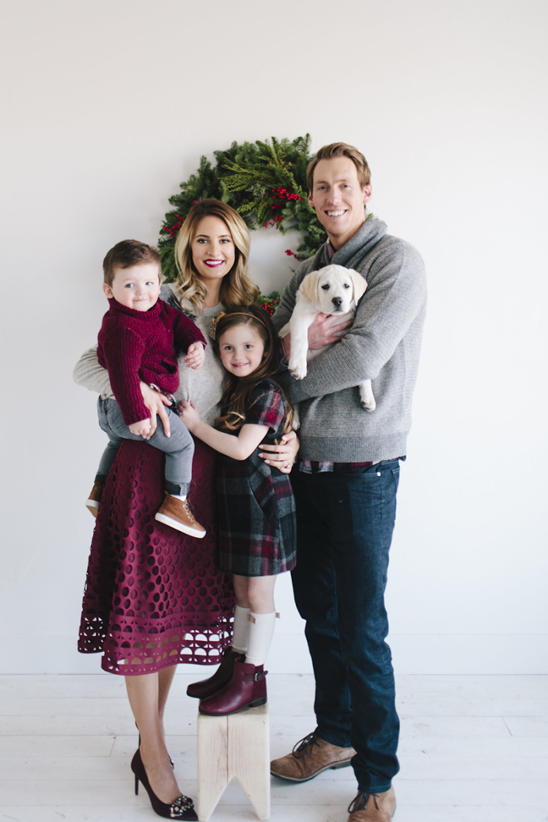 ivorylane-christmascard  Family photo outfits winter, Family