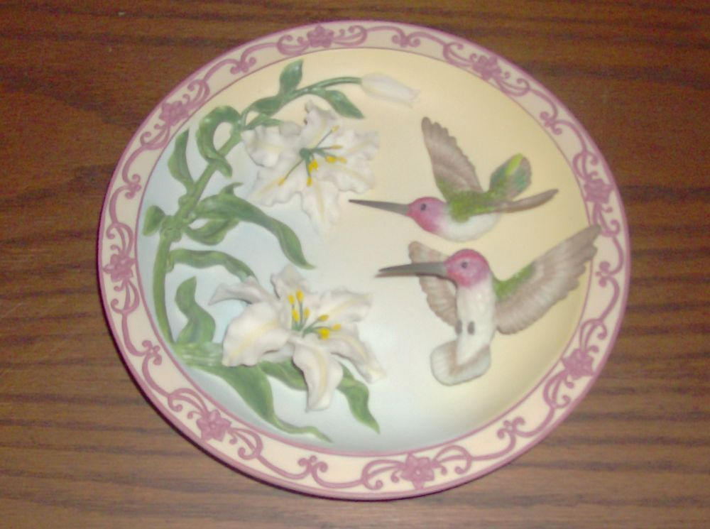 Hummingbird Wall Plate 3D Treasures of the Sky Collection