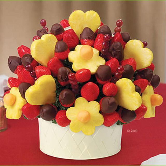I\'d die if someone sent me an edible arangement!   food   Pinterest ...