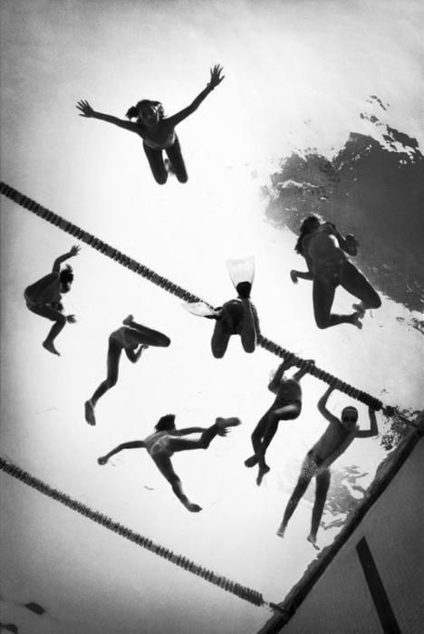 black and white photography / pool / swim / swimmers