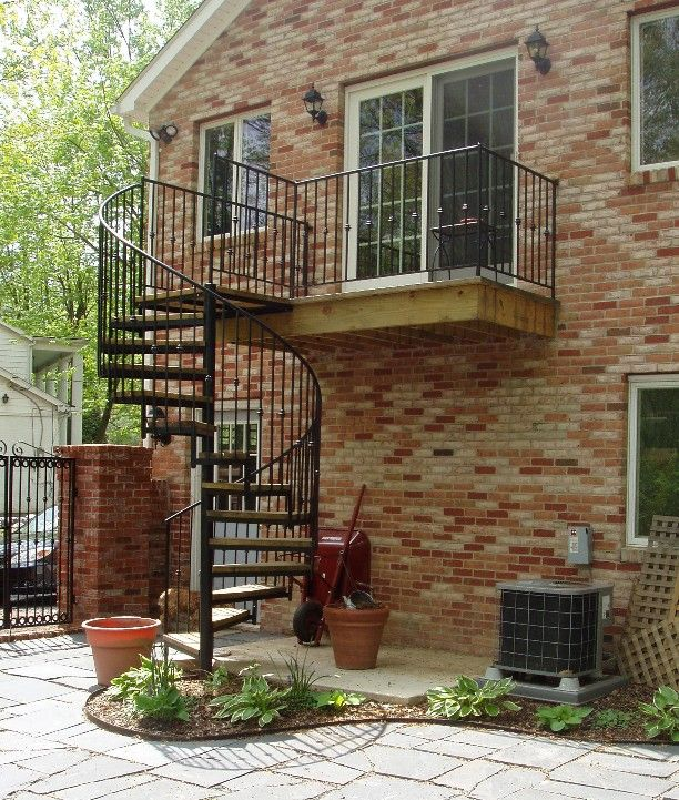 20 Amazing Decks With Spiral Staircase Designs Exterior Stairs | Spiral Staircase Outdoor Deck | Log | Portable Rectangular Concrete | Metal | Porch | Black