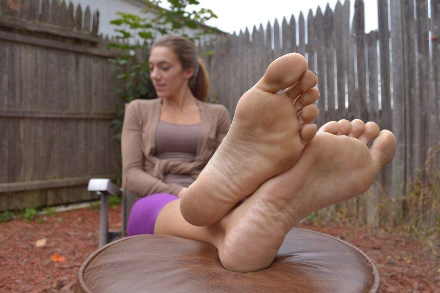 women-large-feet-sexuality
