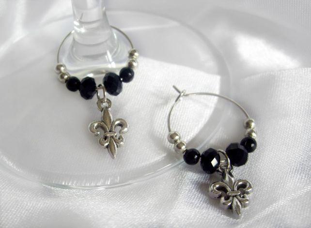 Gothic Fleur De Lis Wine Gl Charm Wedding Favour 4 99
