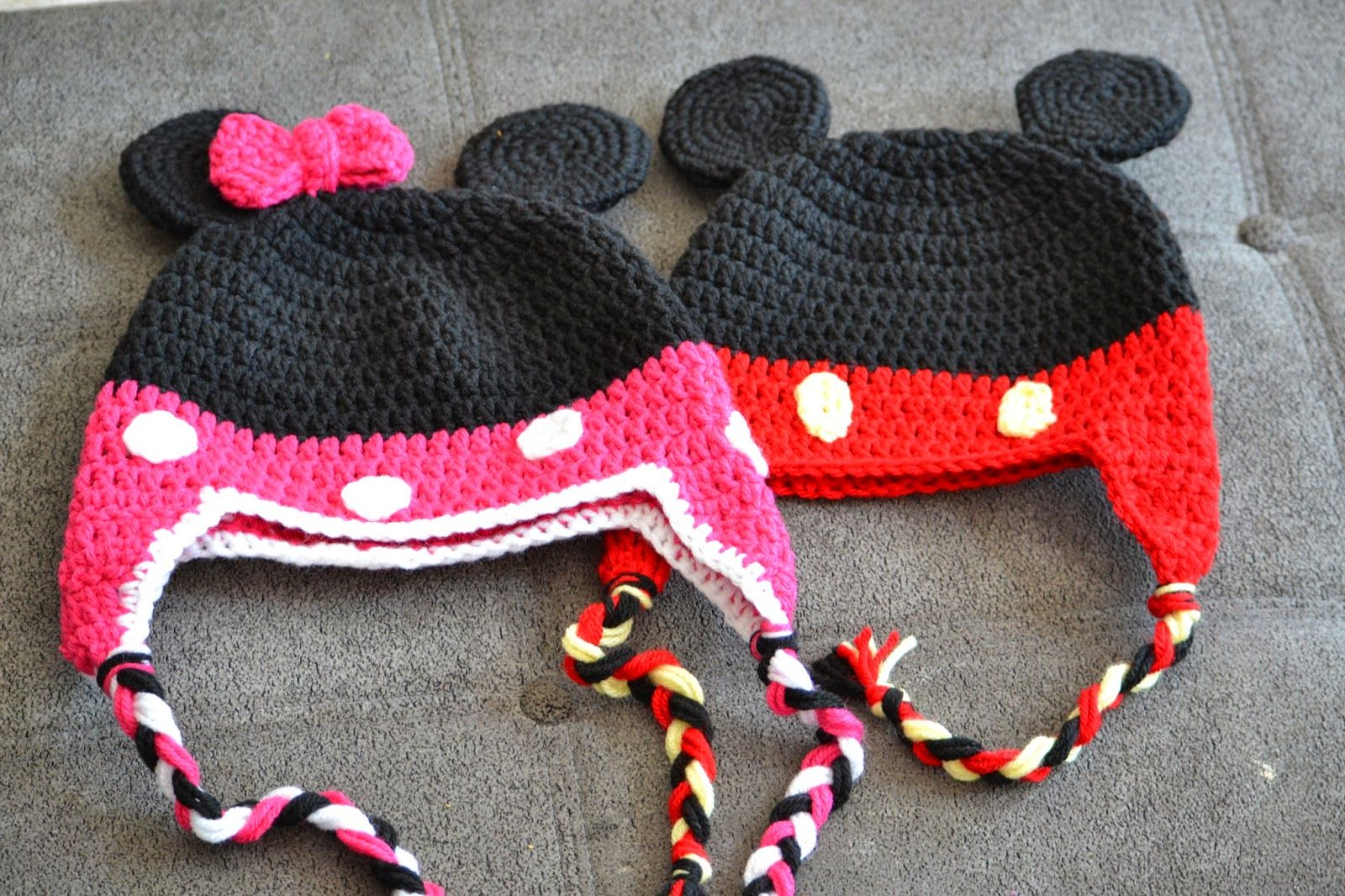 Knotty Knotty Crochet: Minnie Little Mouse hat, shoes and skirt set ...