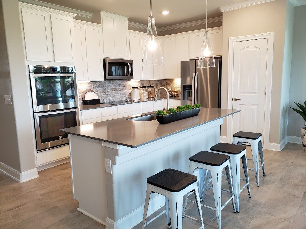 cozy gourmet style kitchen in this home located in meadows at clearcozy gourmet style kitchen in this home located in meadows at clear fork in lockhart texas