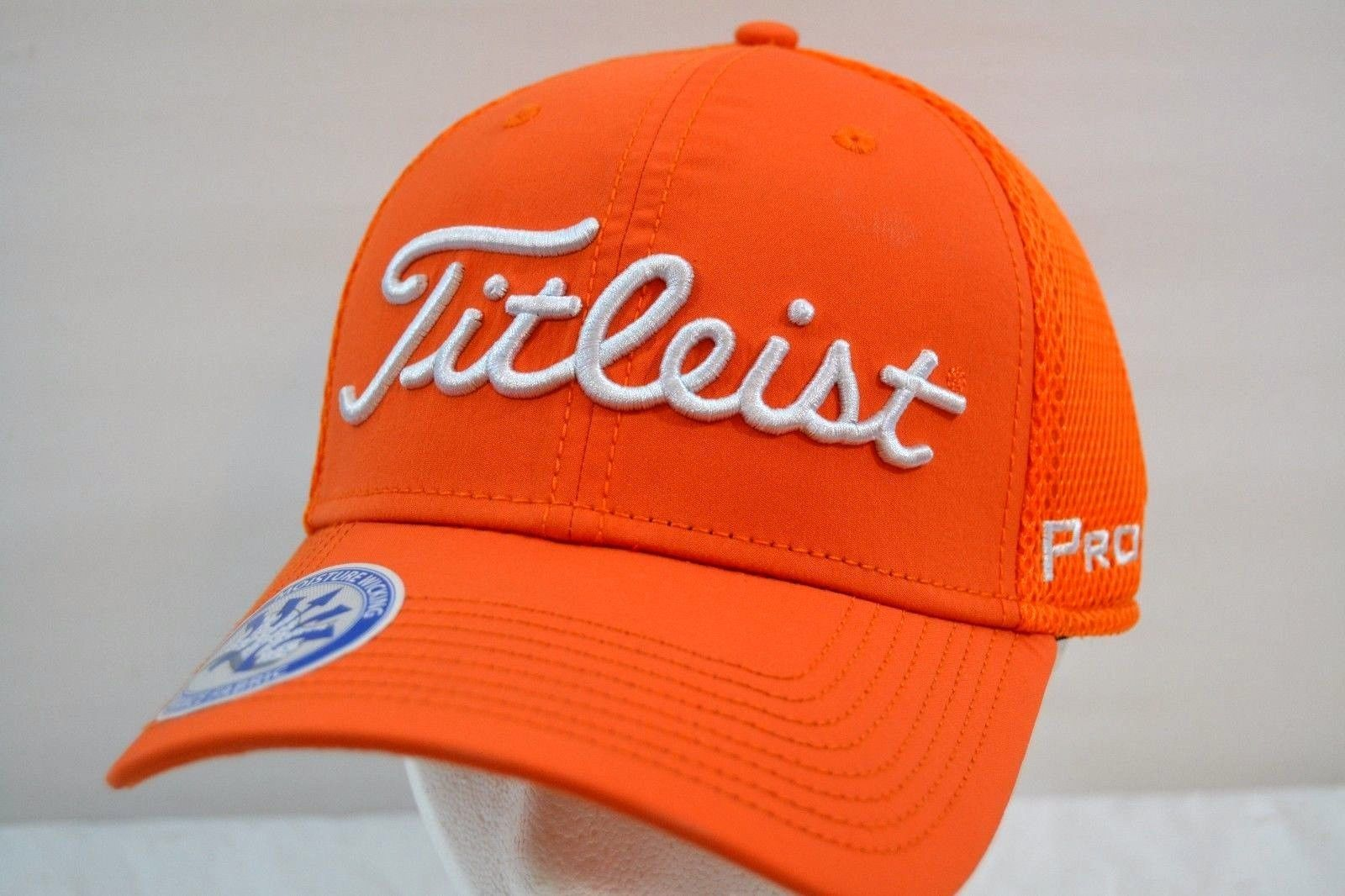 Titleist Golf Sport Mesh Orange White Baseball Cap NWT Flex Fit M L ... 4a8c76170a9