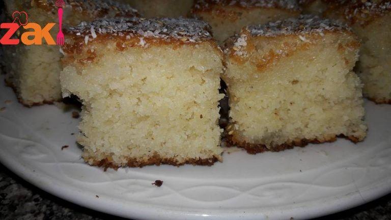 طريقة عمل كيكة جوز الهند بالسميد زاكي Desserts Food Banana Bread