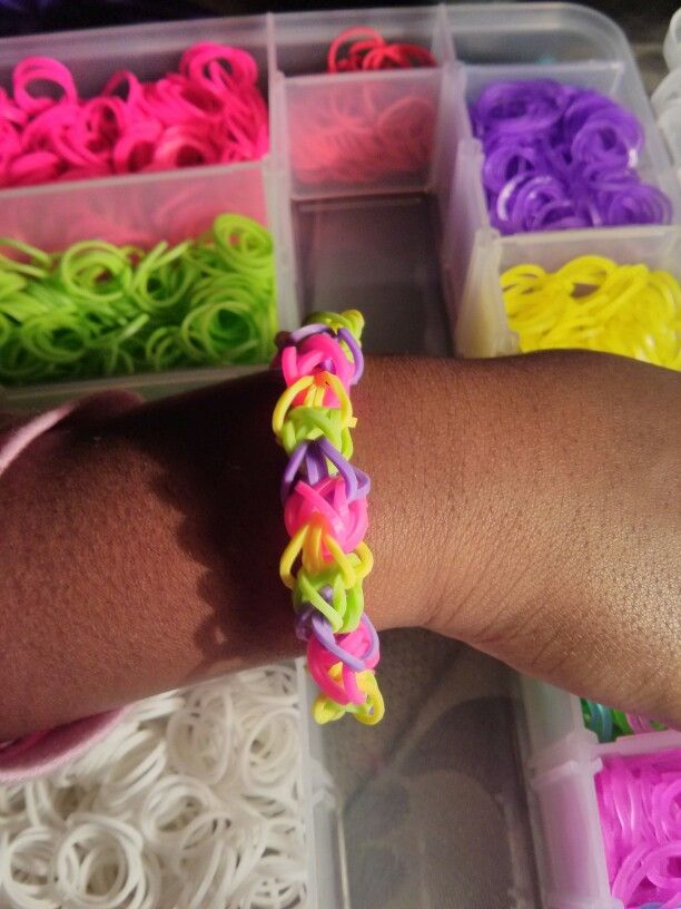 Rainbow Loom bracelet we made. Diamond pattern. #rainbowloom