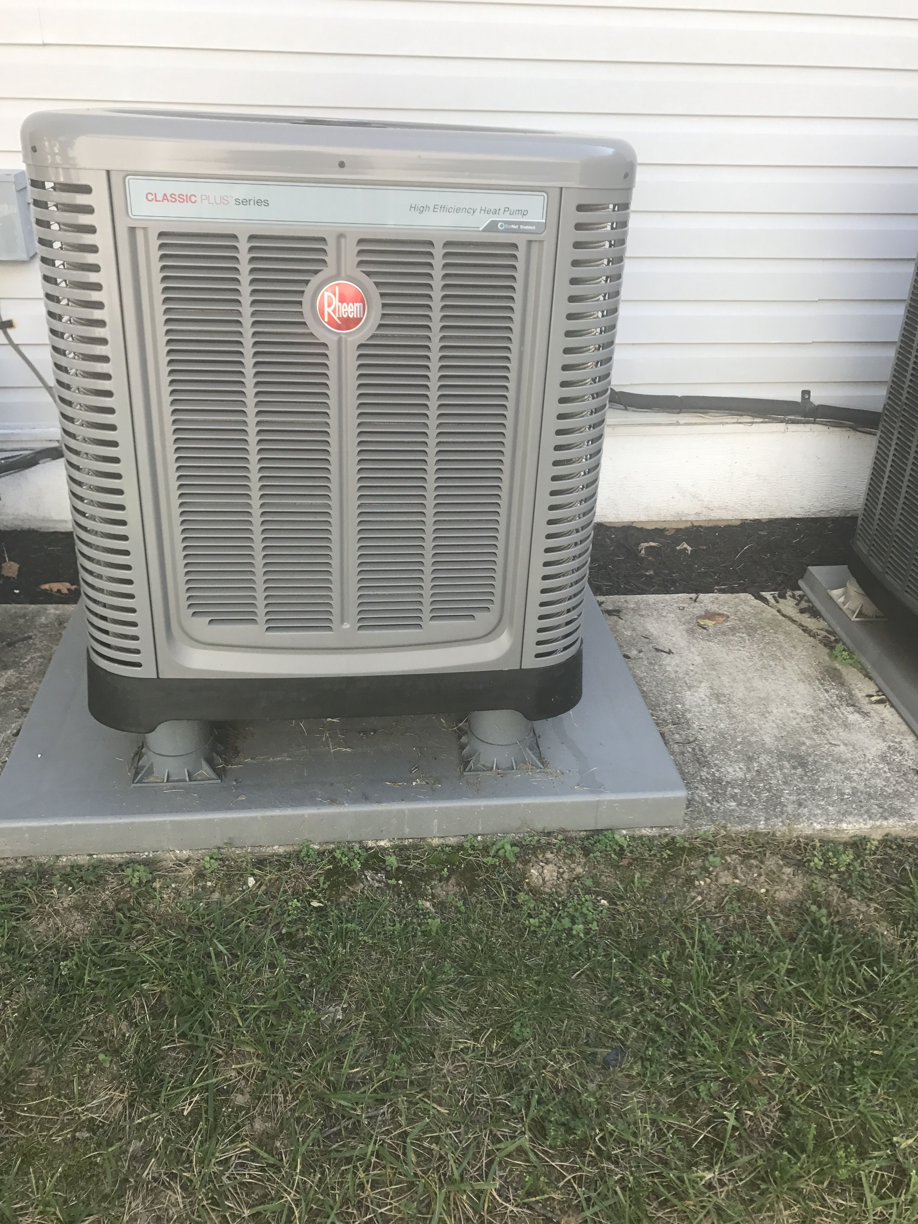 Outdoor Rheem Heat Pump System Acondicionado