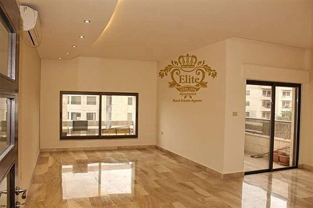 طابق اخير مع روف للبيع في الاردن عمان خلدا مساحة 265م شقه طابق اخير مع روف للبيع في اجمل منا Luxury Living Room Design Luxury Living Room Living Room Tiles