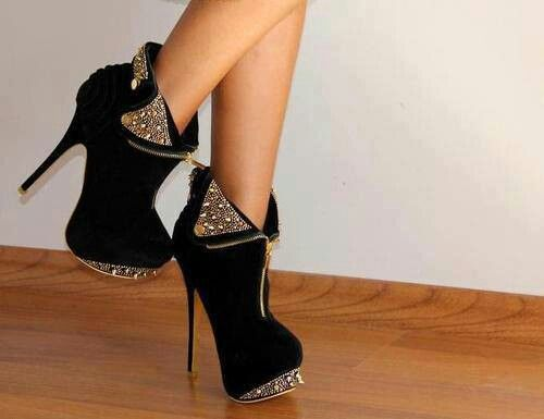 Why can I never find shoes as nice as these!