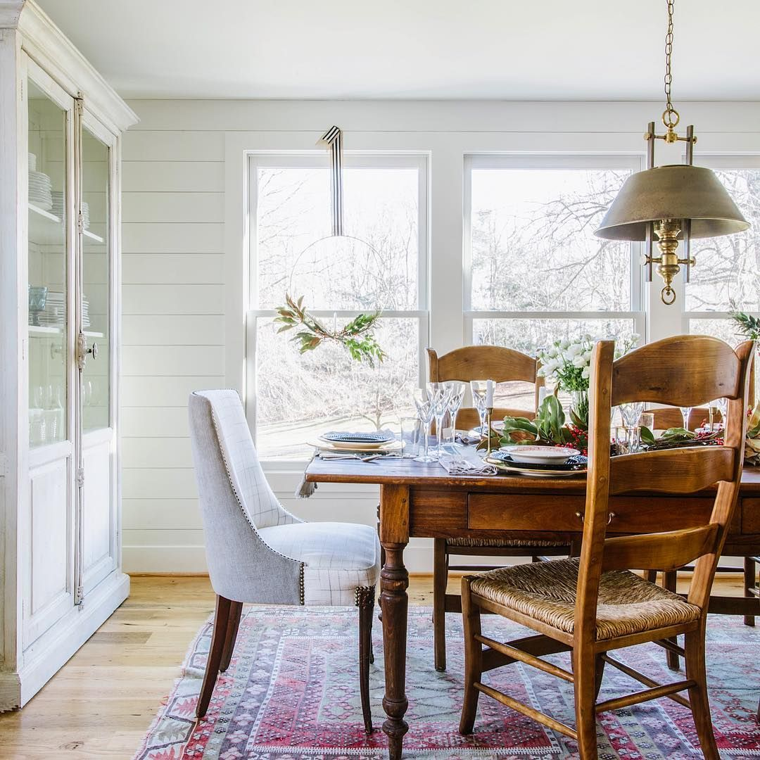 White shiplap dining nook | dining room | Pinterest | White shiplap ...