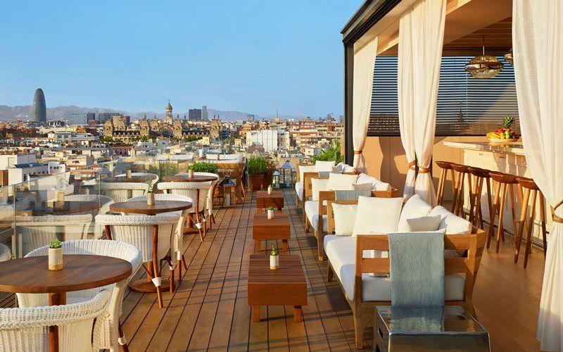 Terrazas De Altura Azoteas Para Tapear Cenar Salir De Copas Y Darte Un Bano Terrazas Habitaciones De Hotel Y Hoteles