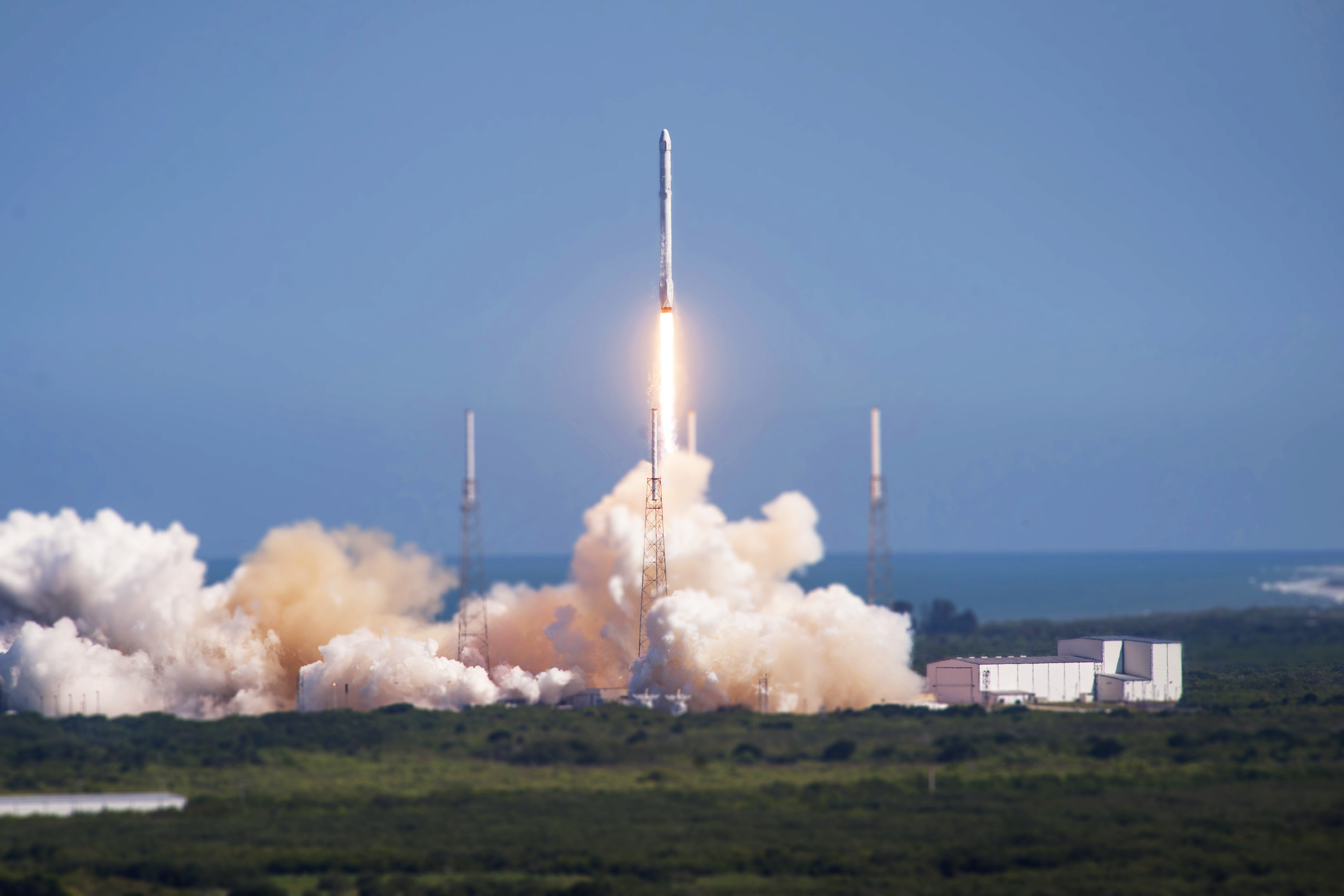 first tilt shift spacex falcon 9 launches via r tiltshift by runphilrun