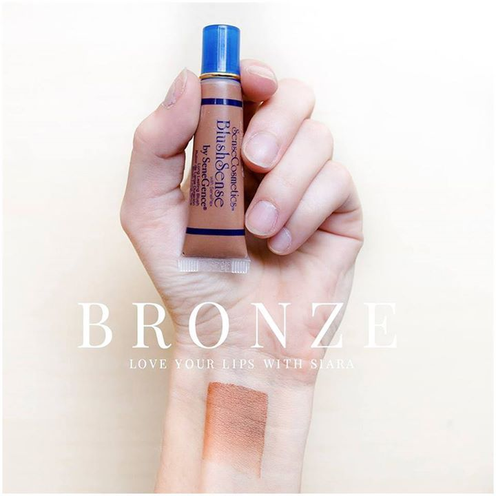Bronze BlushSense Warm  1 available  Use Bronze BlushSense as a warm blush or use it for contour.  Does your skin get quite a bit darker in the summer? Grab a Bronze BlushSense to darken your foundation to match your shade!